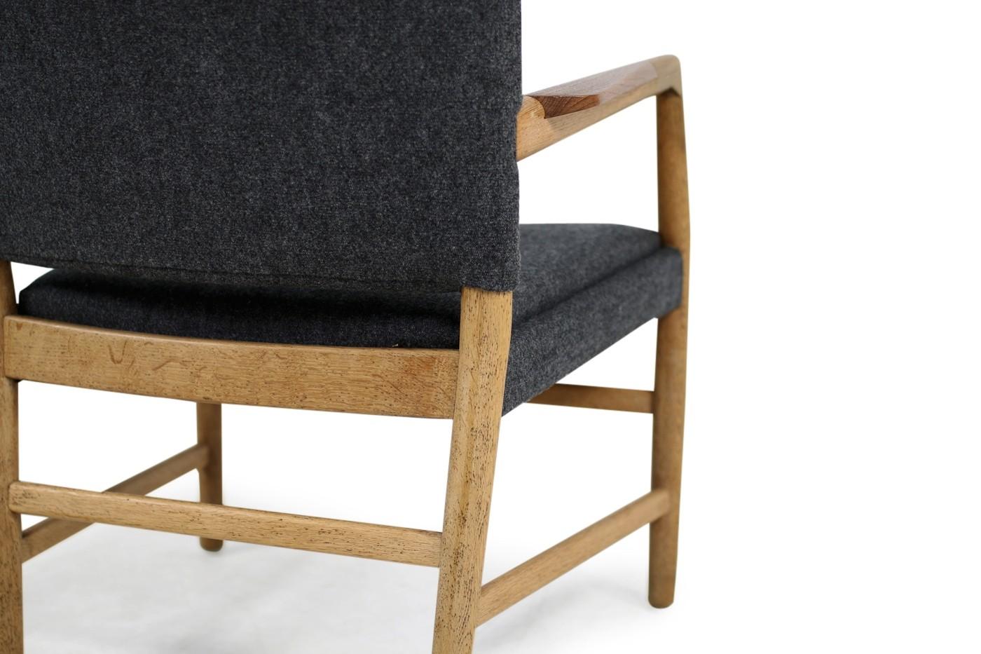 1950s hans j wegner 39 town hall 39 chair oak teak danish. Black Bedroom Furniture Sets. Home Design Ideas